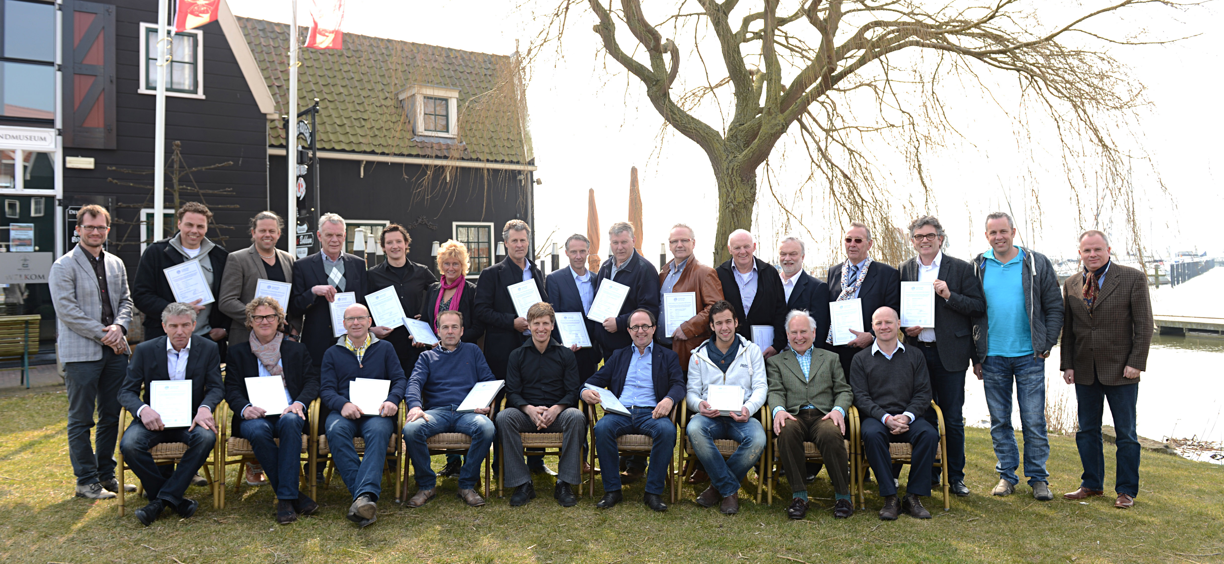 Dutch Smokers and Farmers SES-Certified